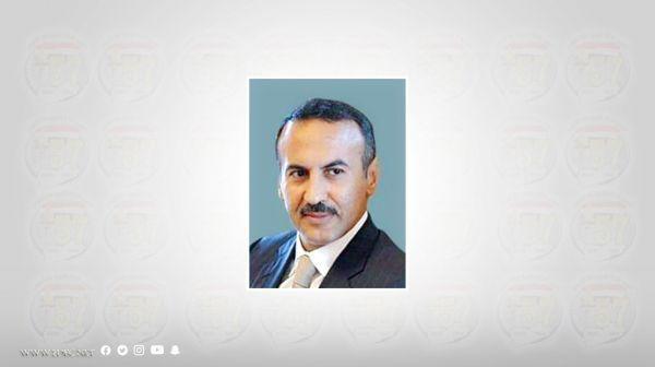 أحمد علي عبدالله صالح يُعزّي في وفاة اللواء حسين أبو حلفه